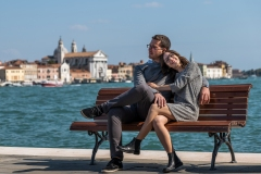 2-MartinaRoberto-Pre-Wedding-Venezia-Panchina-x-social