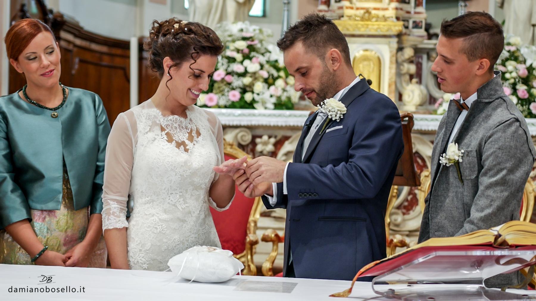 Lo splendido matrimonio di Simone e Denise celebrato nellaParrocchia dei Santi Giuseppe e Giuliana di Villa del Conte in provincia di Padova e poi per i festeggiamenti nel Ristorante alla Veneziana.