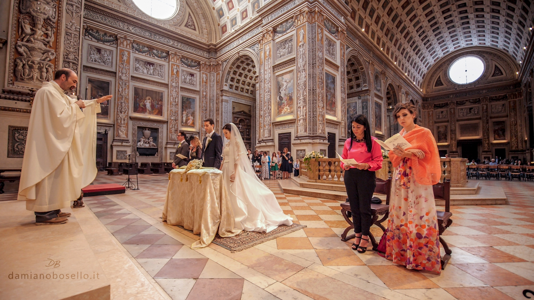 Silvia-e-Fabrizio-Fotogramma-chiesa